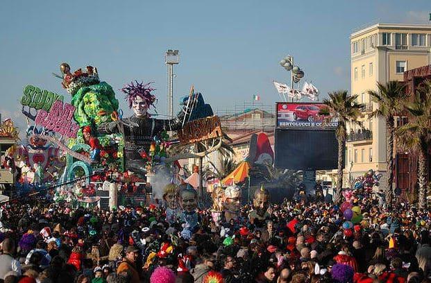 Carnival in Viareggio is Burlamacco